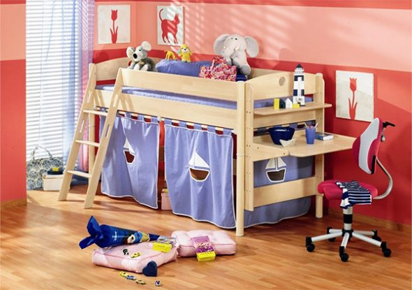 Комната для девочки с кроватью-чердак