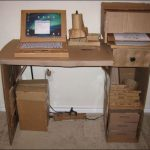 Компьютерный стол из картона