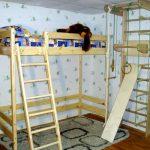 Кровать-чердак из сосны