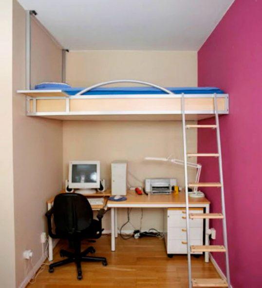 Кровать-чердак закрепленная под потолком