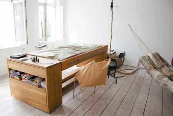 Кровать и рабочий стол - два в одном
