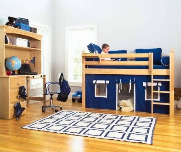Кровать с игровой зоной внизу