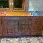 Кухонная стенка из дерева