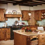 Необычная деревянная кухонная мебель