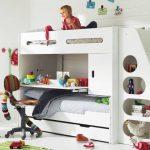 Необычная детская кровать для двоих детей