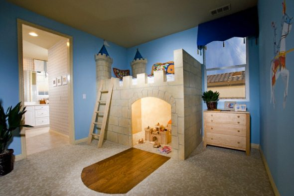 """Оригинальная кровать-чердак """"Замок"""""""