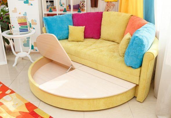 Раскладной круглый желтый диван-кровать с местами для хранения