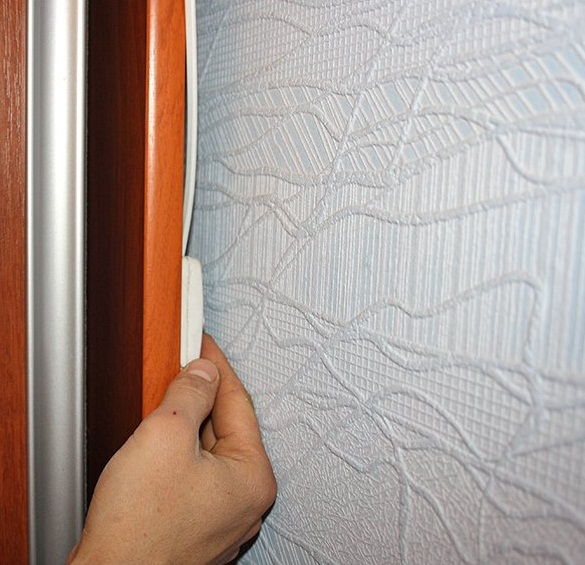 Размещение выключателя на задней стенке