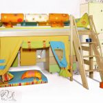 Разноцветное яркое оформление детской с игровой зоной и кроватью-чердак