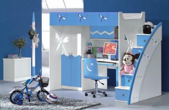 Синяя детская кровать для мальчика