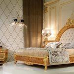 Современная спальня в стиле барокко