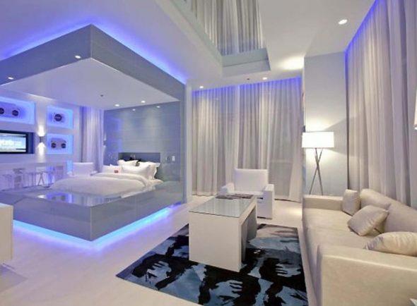 Спальня-гостиная с кроватью-подиумом