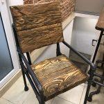 стул из профильной трубы и дерева
