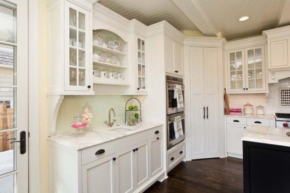 Традиционная белоснежная кухня