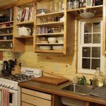 Удобная самодельная мебель для кухни