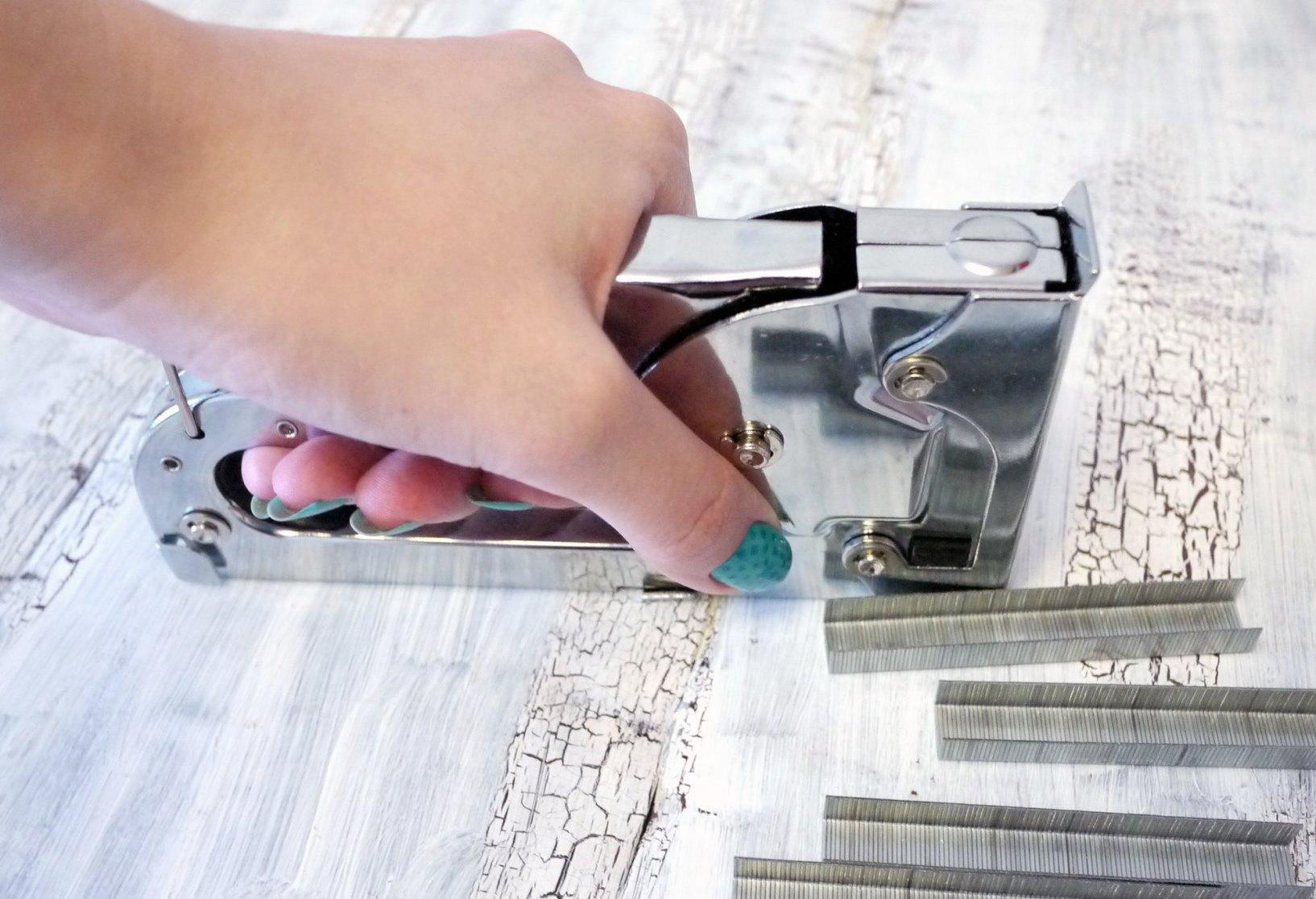 выбор мебельного степлера