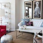 Белая и розовая мягкая мебель