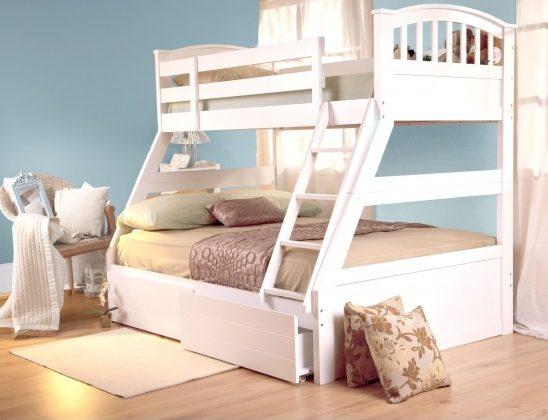 Белая кровать-трансформер