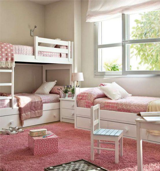 Бело-розовая комната для детей
