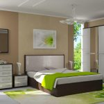 Белый и коричневый цвета в спальне, разбавленные яркими оттенки сочной зелени
