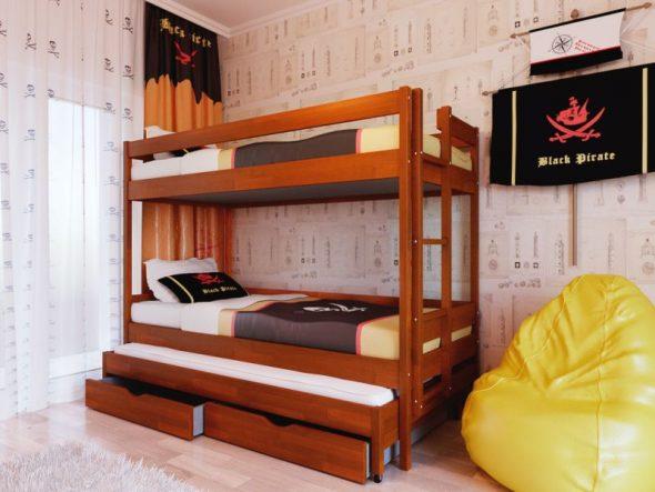 Деревянная кровать для троих мальчиков
