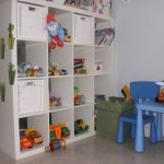 Детский стеллаж-перегородка для игрушек