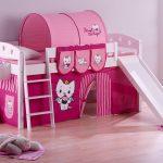 Двухуровневая кровать с игровой зоной