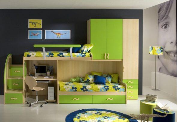 Двухъярусная кровать с встроенным шкафом и рабочим местом
