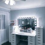 Гримерное зеркало для салона красоты или студии
