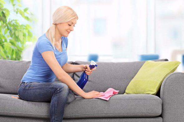 Избавляемся от пятен на диване