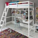 Кровать-чердак с угловым столом