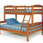 Кровать из двух ярусов разной ширины