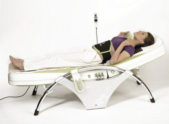 Массажная кровать в рабочем состоянии
