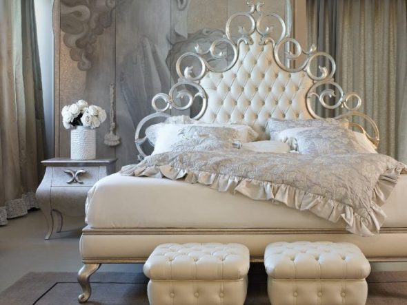 Металлическая кровать с мягкой спинкой