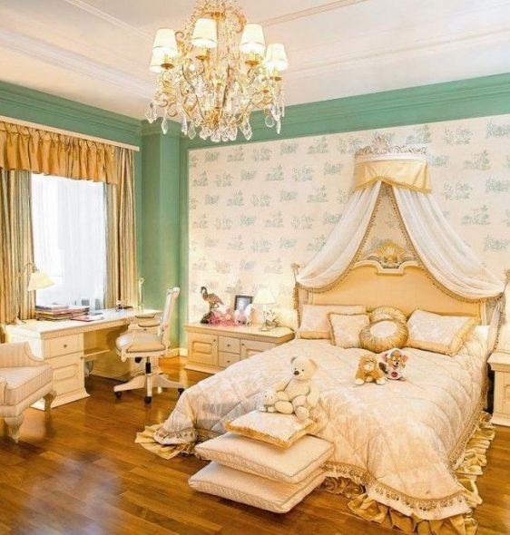 Мягкое изголовье для комнаты принцессы