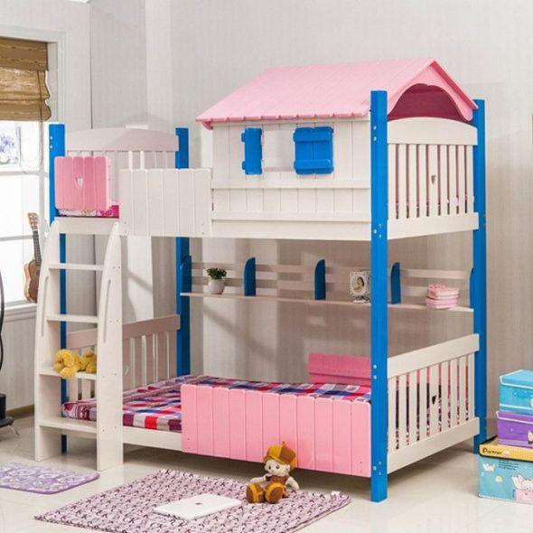Низкая двухъярусная кровать с домиком