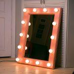 Оранжевое гримерное зеркало