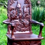 Оригинальный резной стул