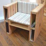 Отличное удобное кресло из двух поддонов