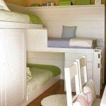 Разноуровневая детская кровать с встроенными шкафами