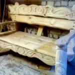 Резная скамейка из липы