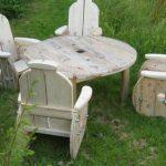 Садовая мебель из катушки для электрического кабеля