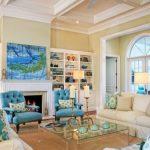 Северная гостиная с голубыми элементами