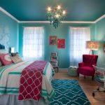 Шикарная бирюзовая спальня