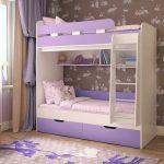 Сиреневая кровать для двух девочек