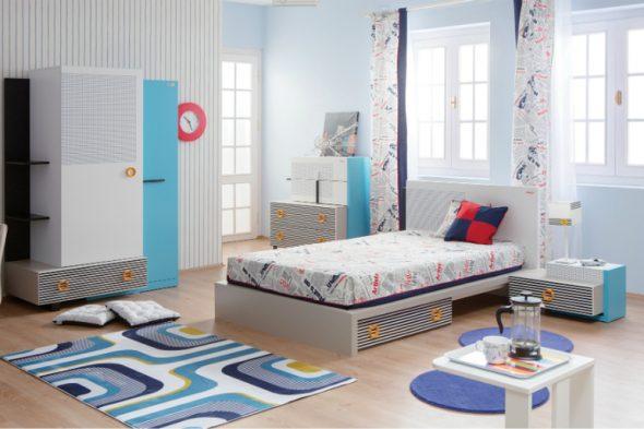 Современная комфортная кровать