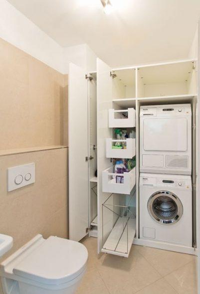 Стиральная и сушильная машина в шкафу