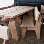 Стол и скамейки из дерева