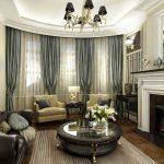 Уютная гостиная с круглым столом и камином