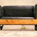 Винтажный диван из старого сундука своими руками